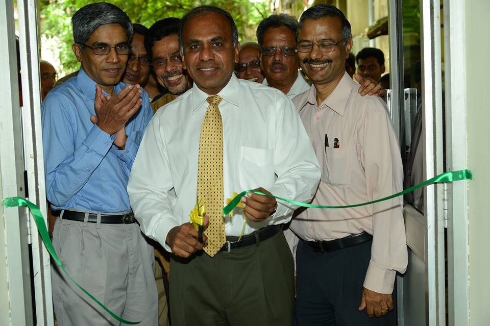 Dr. Subra Suresh inaugurating the air-conditioned Class Room Complex.